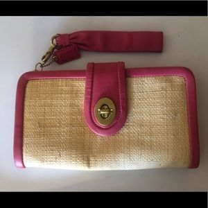 Authentic Coach Park Leather Clutch in pink/ straw